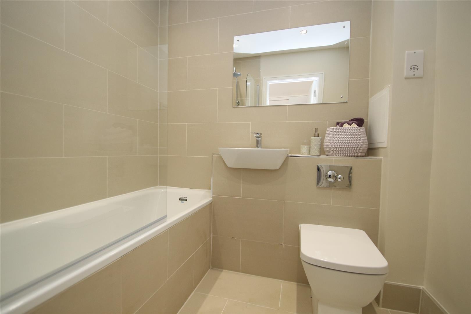 Bathroom ( 2 Bedroom ).JPG